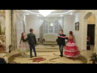 Мои племянники-танцоры))