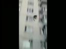 четкий пацык прыгает и танцует драм ендибейстну где то на природе вот это прикол блин блинский =
