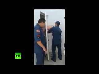 Не самый лучший день: в Бразилии вор застрял в двери тюремной камеры после неудачной кражи