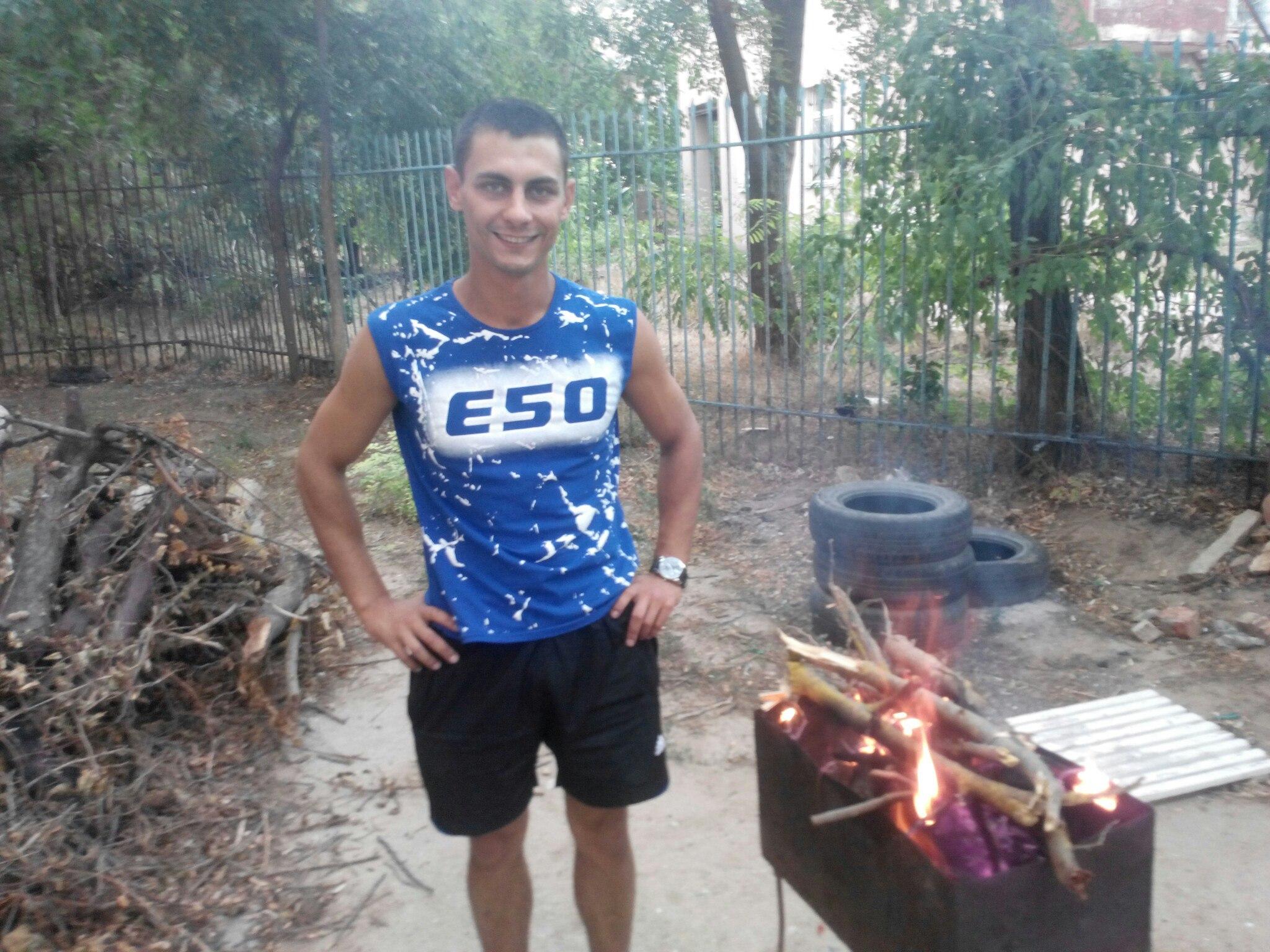 Georgy, 24, Yevpatoriya