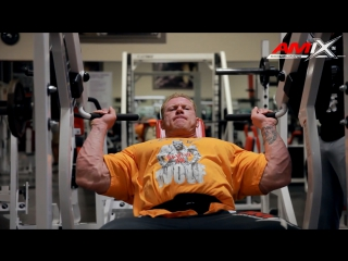 Dennis Wolf Trains Shoulders (2013)