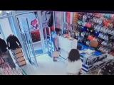 20-летняя девушка ворует телефоны в Пятигорске