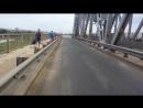 старый мост город Астрахань. порализованно движение тоанспорта из-за технических неполадок при подъеме и спуске моста для прохож