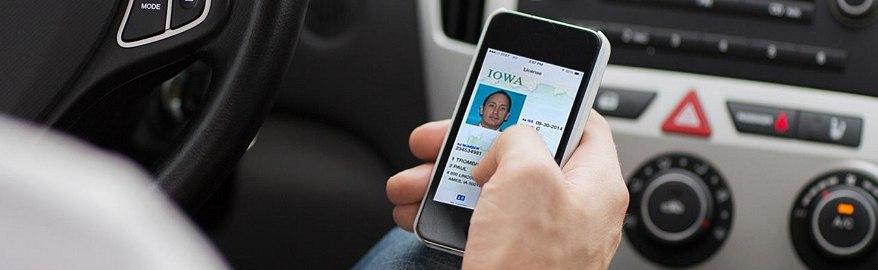 В Госдуме не исключили введения электронных водительских прав