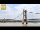 В ландшафтном парке Шапотоу ( Нинься-Хуэйский АР) открылся стеклянный мост через реку Хуанхэ
