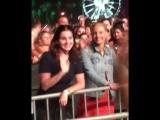 15 апреля 2017; Индио, США: Лана со Стеллой Фабини и Чак Грант на фестивале «Coachella»
