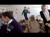 6Д танцует