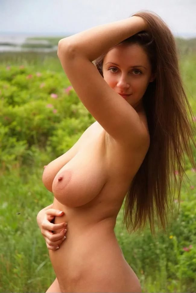 Beautiful euro girl sexing with black