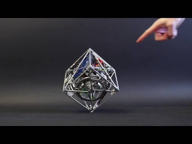 Ученые собрали кубик, который не подчиняется законам гравитации