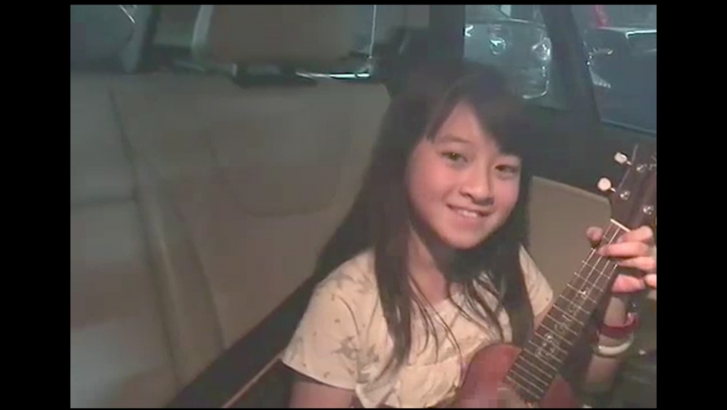 Gail Sophicha.Haven't play ukulele for a long time. Today I will play this song for a goodnight song. Fly me to the moon
