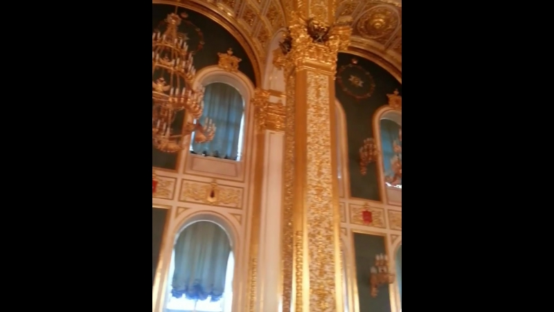 Большой Кремлёвский дворец. Андреевский зал с императорским троном. Один из парадных залов Большого Кремлёвского дворца.