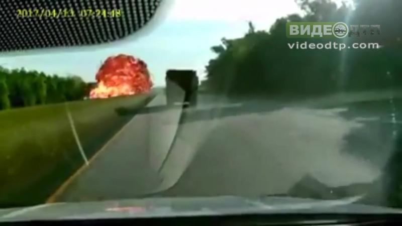 Huge explosion captured on dash cam in I-310 crash | ДТП авария