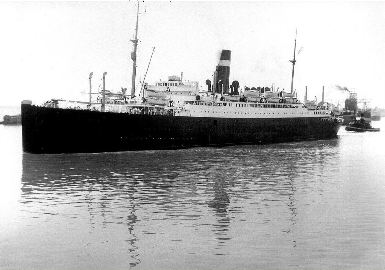 """Пассажирский лайнер """"Атения"""" торпедирован немецкой подлодкой U-30 Юлиуса Лемпа 3 сентября 1939 года"""