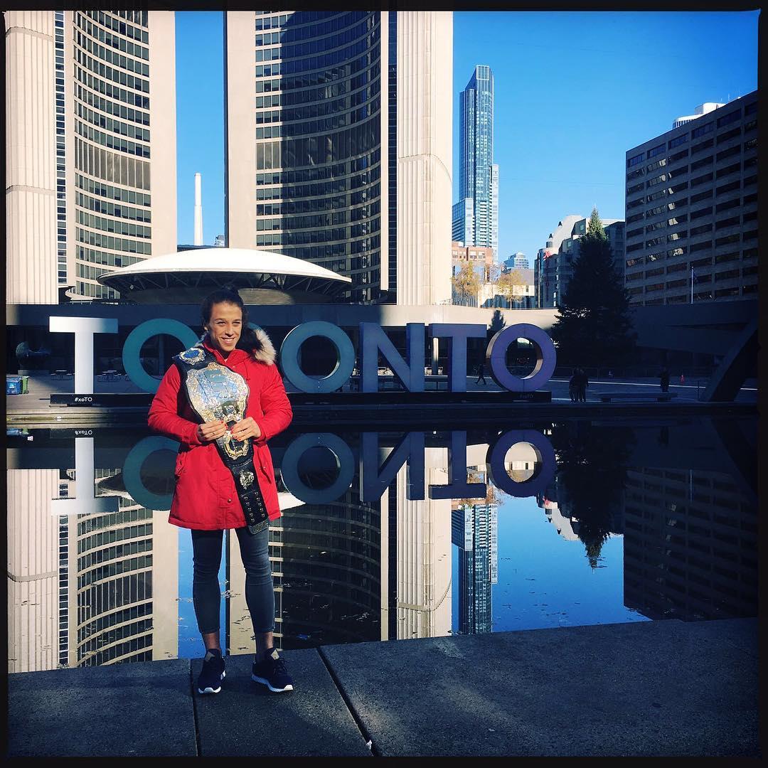 Джоанна Енджейчик в Торонто