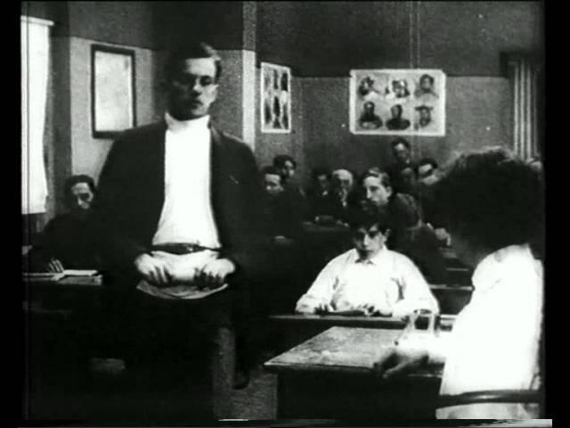 Владимир Маяковский в фильме Барышня и хулиган 1918 год