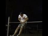 Вечерние упражнения на Muscle Beach, CA.