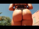 Mia Malkova блондинка с шикарной попой у бассейна [ большая упругая жопа попа горячие булки классные сиськи молодая порно секс ]