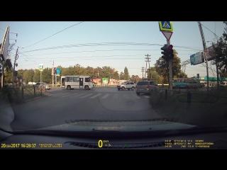 Проезд на красный зафира в750ак161