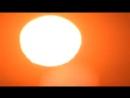 Камера Р900 солнце опускается за горизонт, но хорошая оптика позволяет его вновь увидеть на высоте