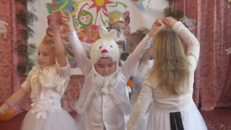 Танець сніжинок і звіряток 2 клас 2017
