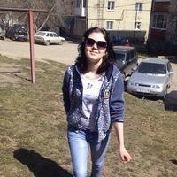 Неля Пивоварова