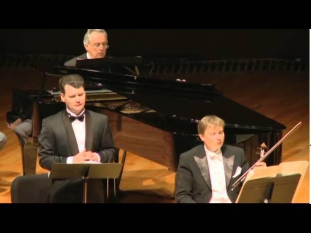 Francis Poulenc. Le Bal Masque. Soloist ILYA KUZMIN, conductor JAN LATHAM KOENIG. Mexico.2013.