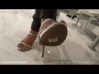 Changing Shoes in Food Court | In-shoe Toe Scrunching | Punjabi Goddess