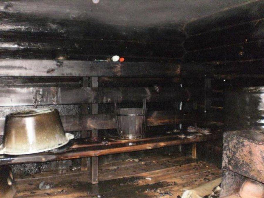 В станице Кардоникской сгорела баня