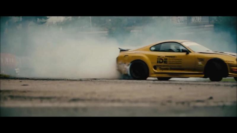 Toyota Supra Gold Digger Drift