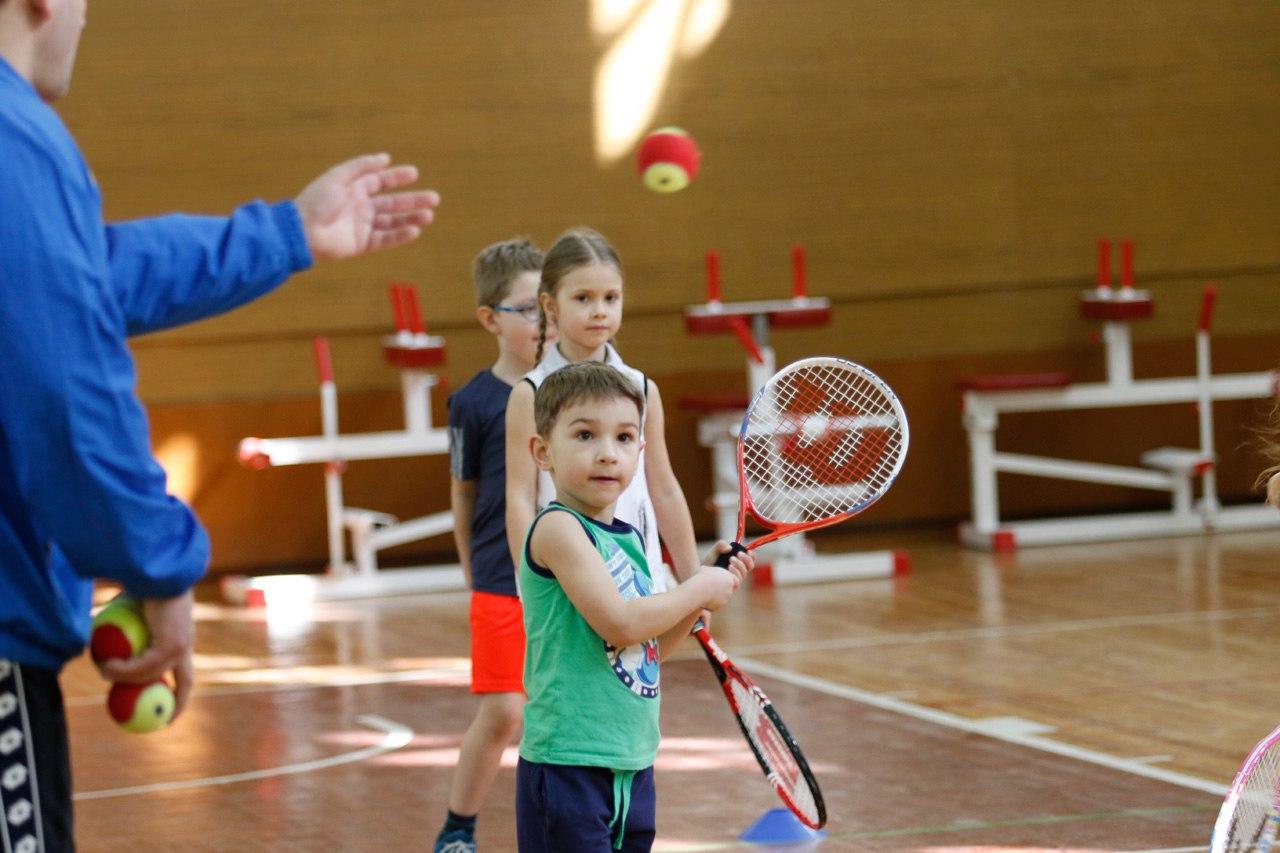 Групповые занятия теннисом для детей и взрослых от 7 руб./занятие