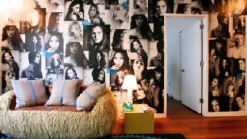 Последний писк моды - вместо обоев - газеты, журналы и фотографии.