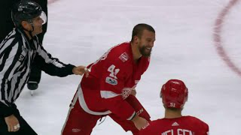 Glendening bloody smiling after filling in Ekblad during vicious fight