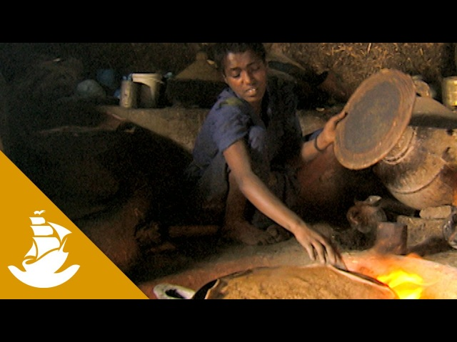 How Ethiopian bread is made - Injera
