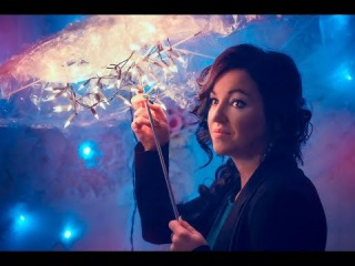 Идея для фото Прическа и макияж Зонт с гирляндами фотосессия с гирляндами