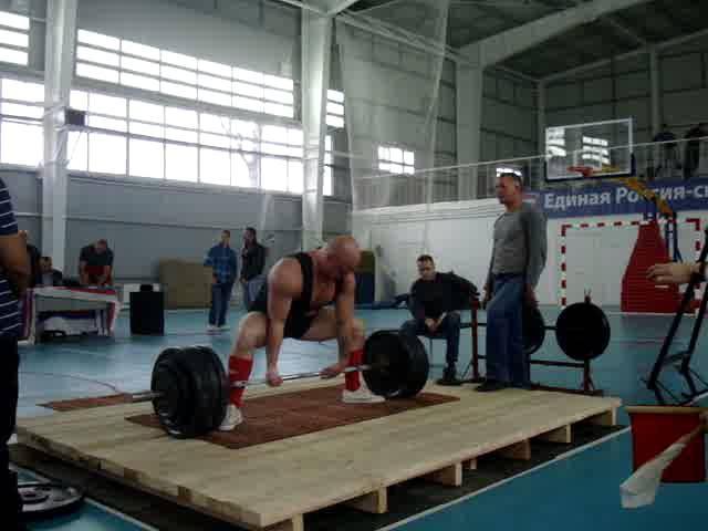 Петров Олег тяга 240 кг, с.в. 92 кг.