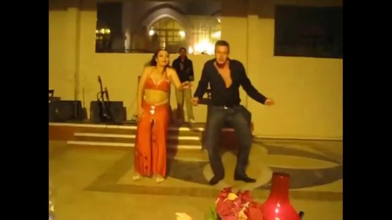Русский таксист сделал в танце индийскую девушку Русские круче всех