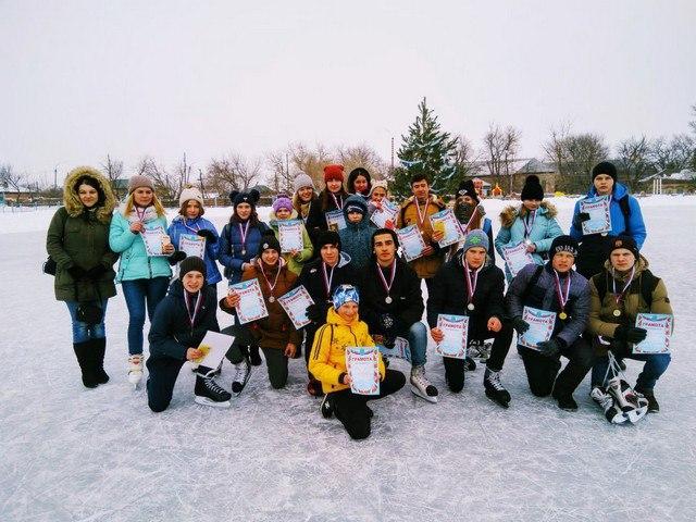 Учащиеся школ района встретились на льду
