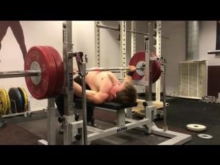 Эдди Берглунд - жим лежа 120 кг на 36
