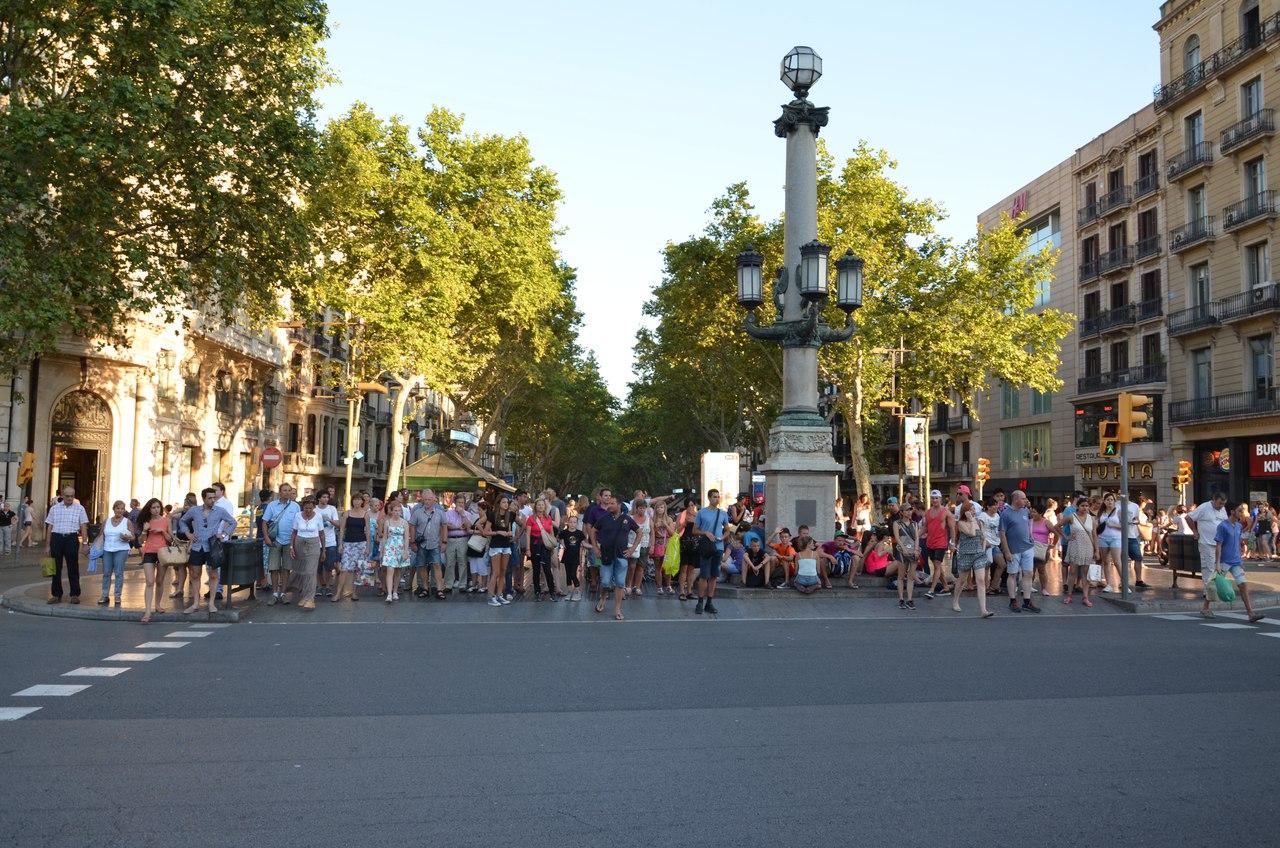 wOt1DBscD4Y Барселона – один из самых космополитичных городов мира.