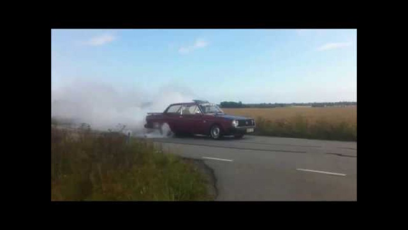 Volvo sleepers 3. Old swapped turbo bricks. Rwd burnout.