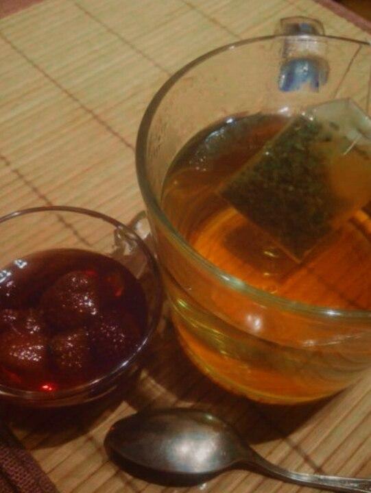 чай с вареньем