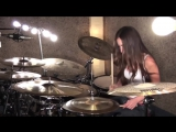Девушка играет на барабанах под Three Days Grace-Hate Everything About You