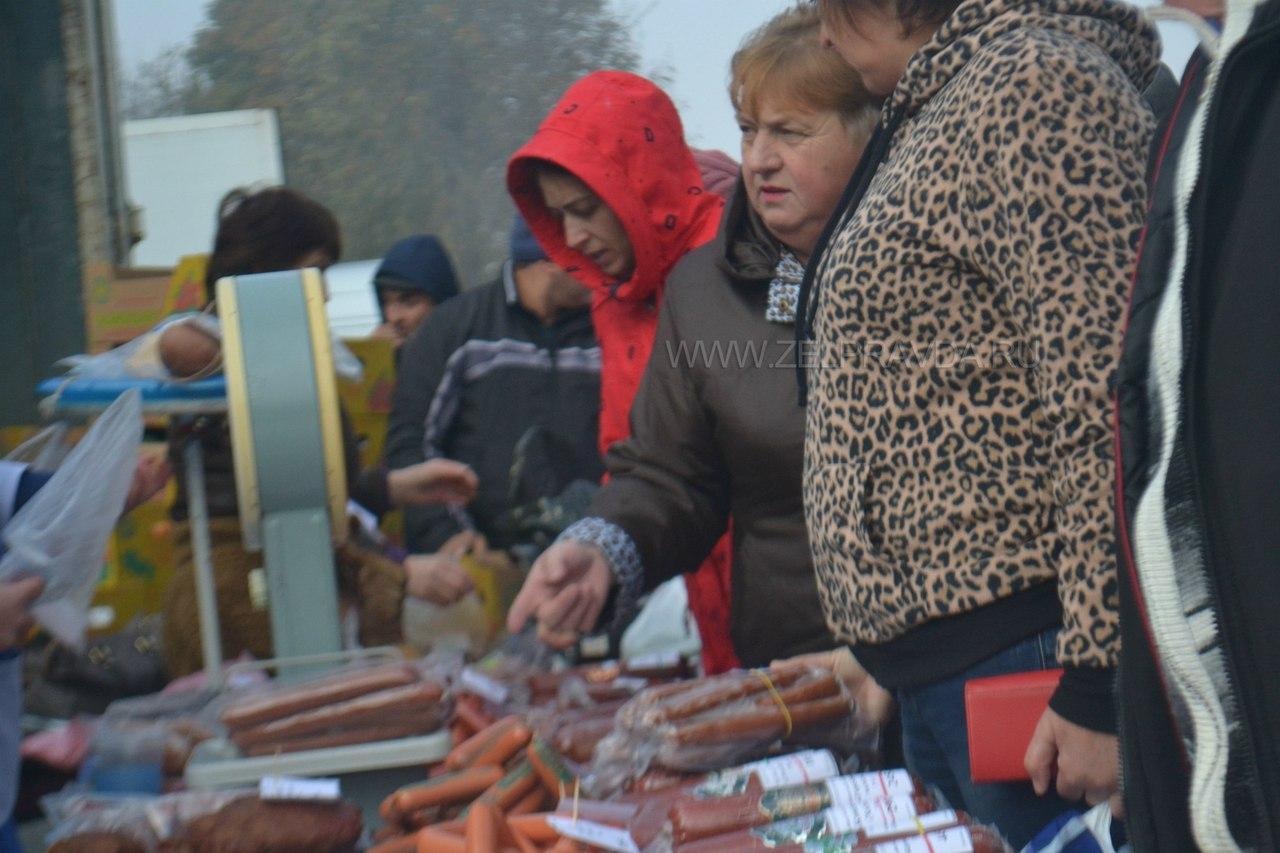 Более 130 ведущих сельхозтоваропроизводителей собрала ярмарка в станице Зеленчукской