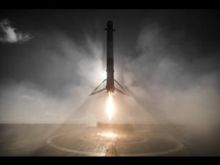 Посадка первой ступени Falcon 9 на баржу 14 января 2017 года