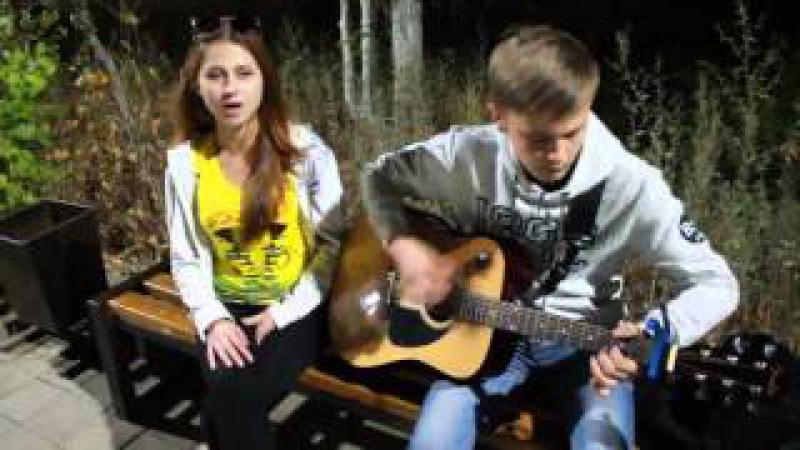 девушка красиво спела Cranberries Zombie под гитару