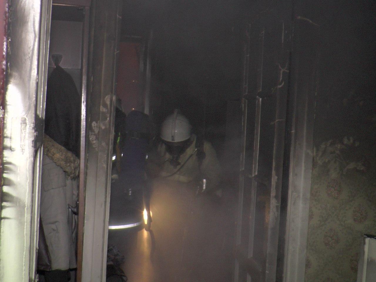 В Мурманске в горящей квартире чуть не погиб человек