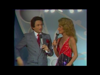 Dalida - Champs Elysees - interview / 10-12-1983