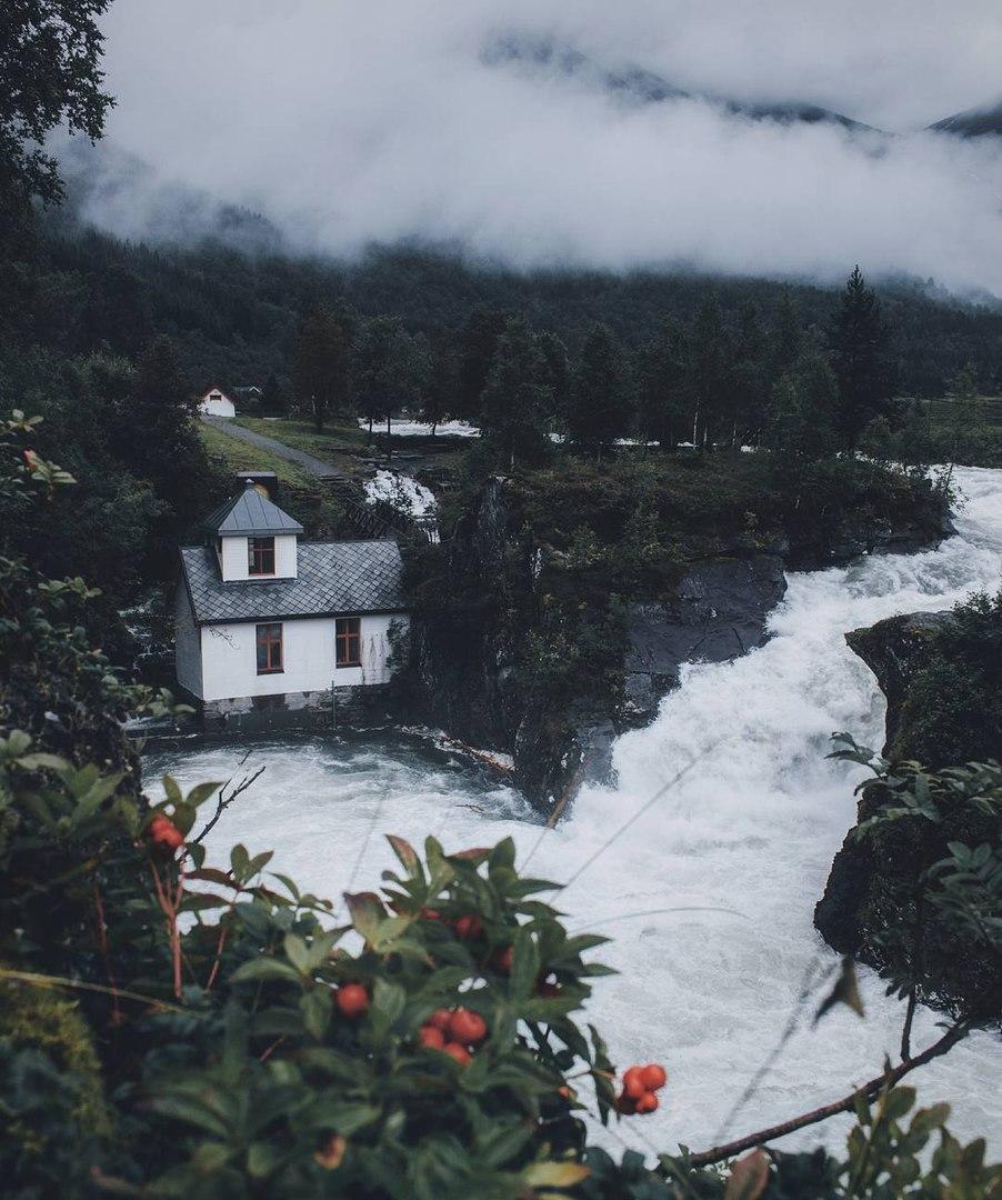 Роскошные пейзажи Норвегии - Страница 5 MbIkcGNPGs4