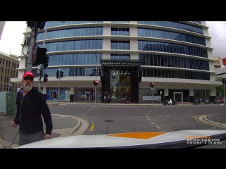 Карма мгновенно накрыла злого пешехода