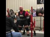 Dennis Cornelius ( США ), присед в наколенниках - 395 кг, в.к. до 125 кг !